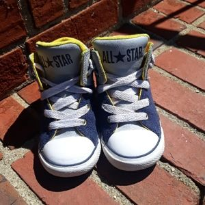 Kids Converse Chuck Taylor All Star Mid-High Rise